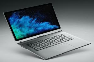 مميزات وعيوب Microsoft Surface Book 2